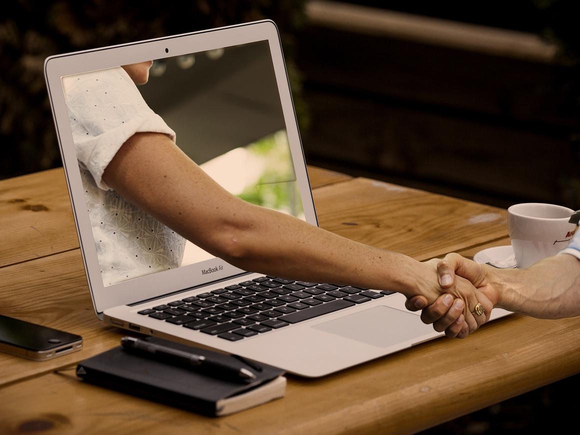 За свайп денег не берут: при знакомстве онлайн мы на 25% смелее, чем в реале
