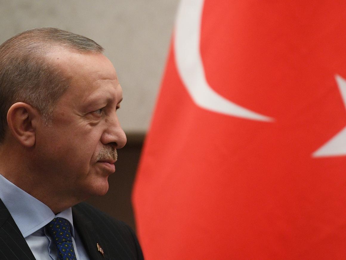 Почему лира падает, а Эрдоган пугает США прекращением сотрудничества
