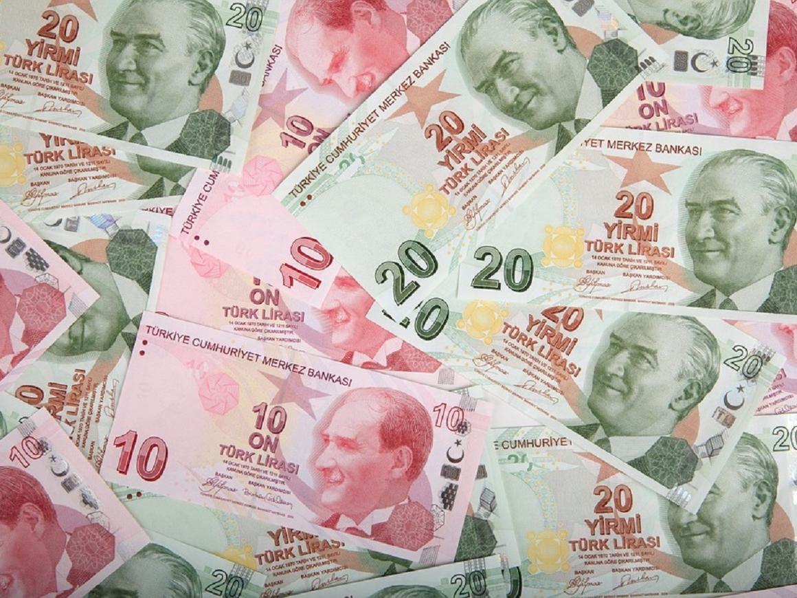 Эрдоган против комментаторов в соцсетях: с экономикой Турции всё норм