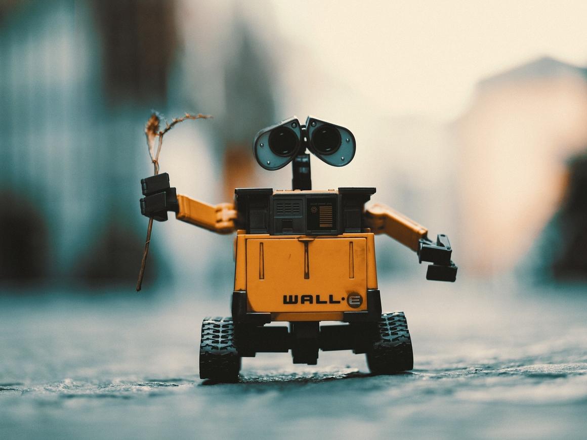 """""""Моя любовь к людям не угаснет"""" - робот-автостопер продолжает путешествие"""