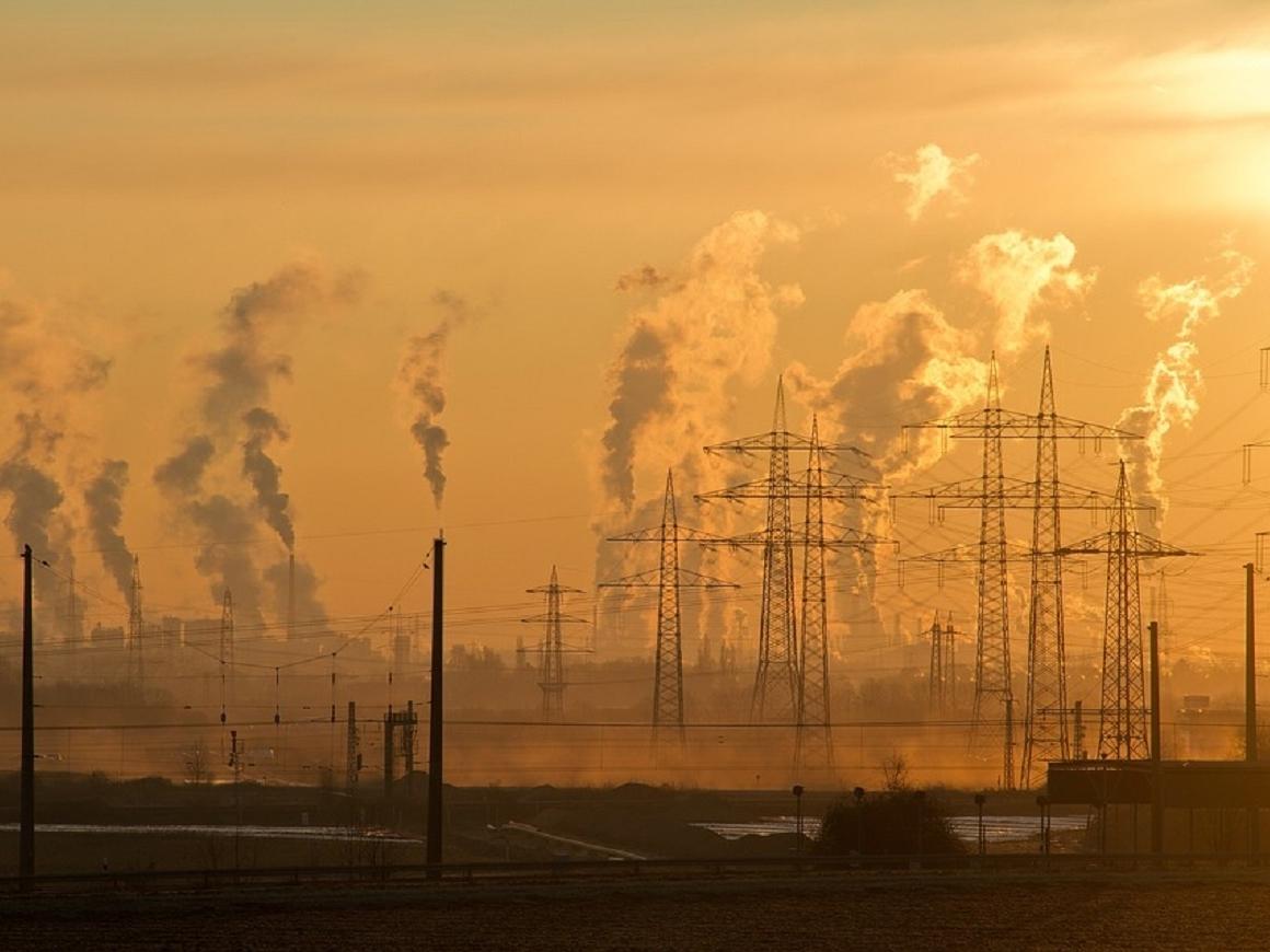 Сократил ли Китай выбросы CO2? Ученые говорят - да, а Greenpeace - нет