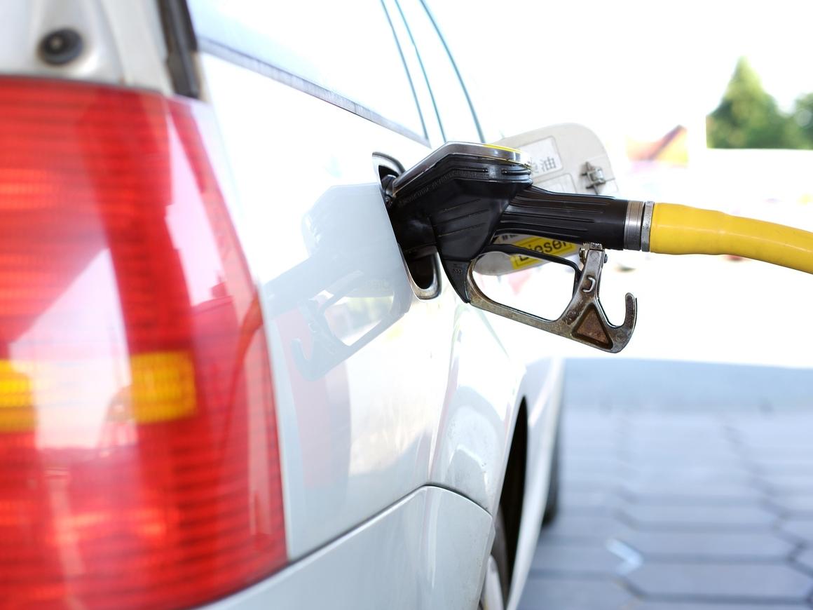 Незаконно! ФАС не понравился прогноз роста цен на бензин