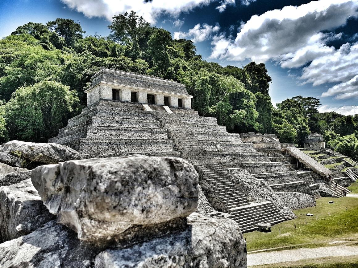 Мексика: учёные нашли маску правителя древних майя (фото + видео)