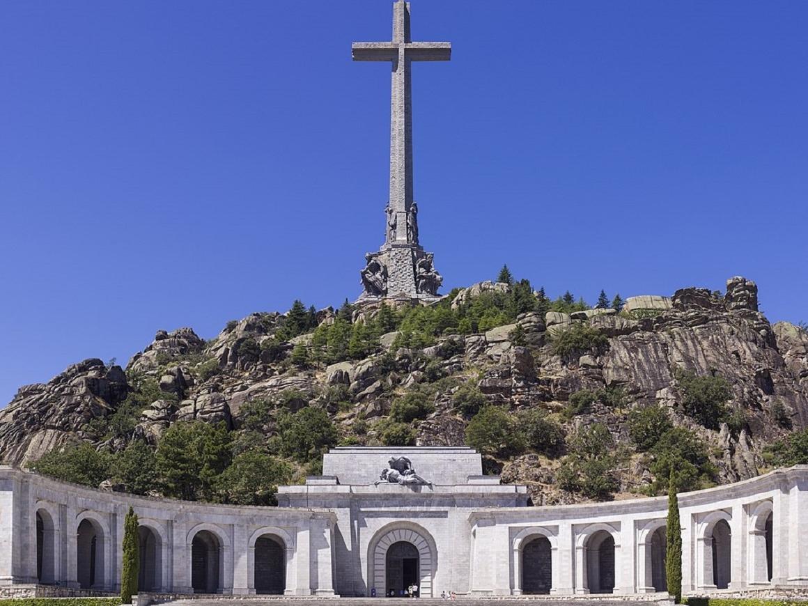 Генералу Франко пора прилечь в другом месте: испанские власти его перезахоронят