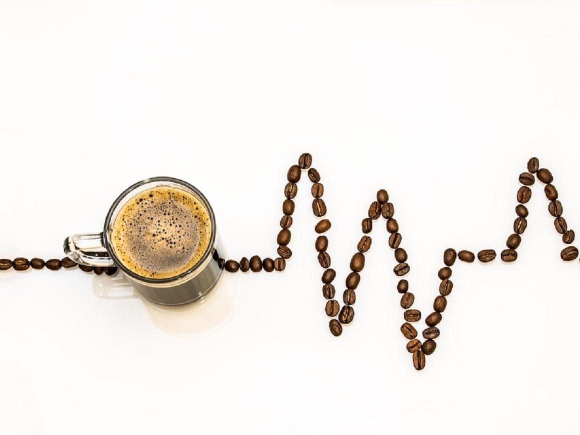 Хватит пить все подряд: детям запрещают кофе и энергетики