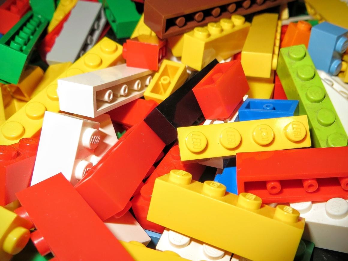 Из Lego собрали полноразмерный Bugatti Chiron  – и он даже едет (видео)