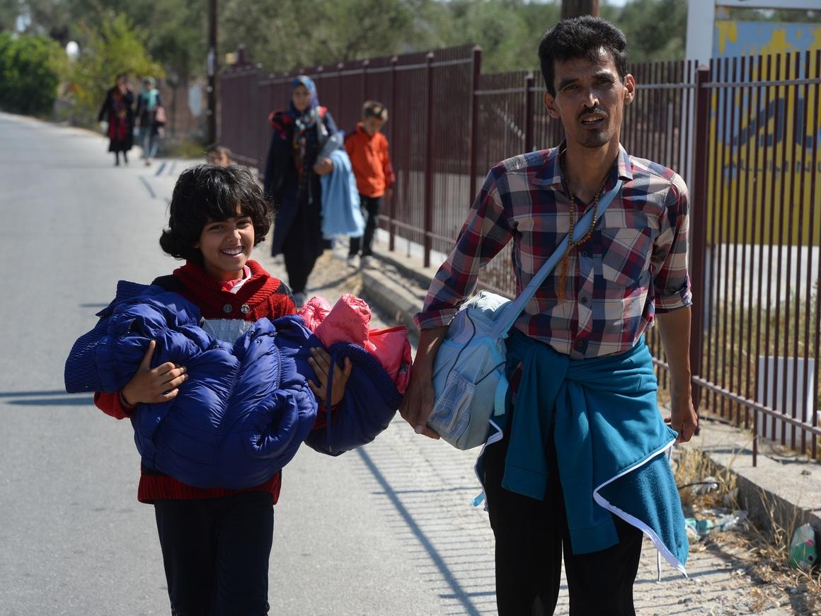 Администрация Трампа не отдаёт паспорта американцам, живущим у Мексики