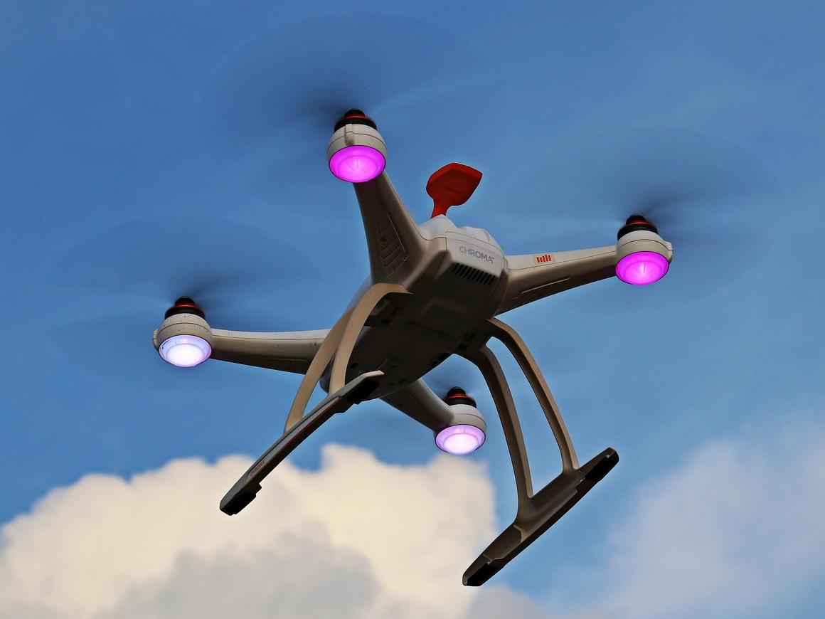 Инженер-любитель с Филиппин построил дрон-автомобиль. Он летает!