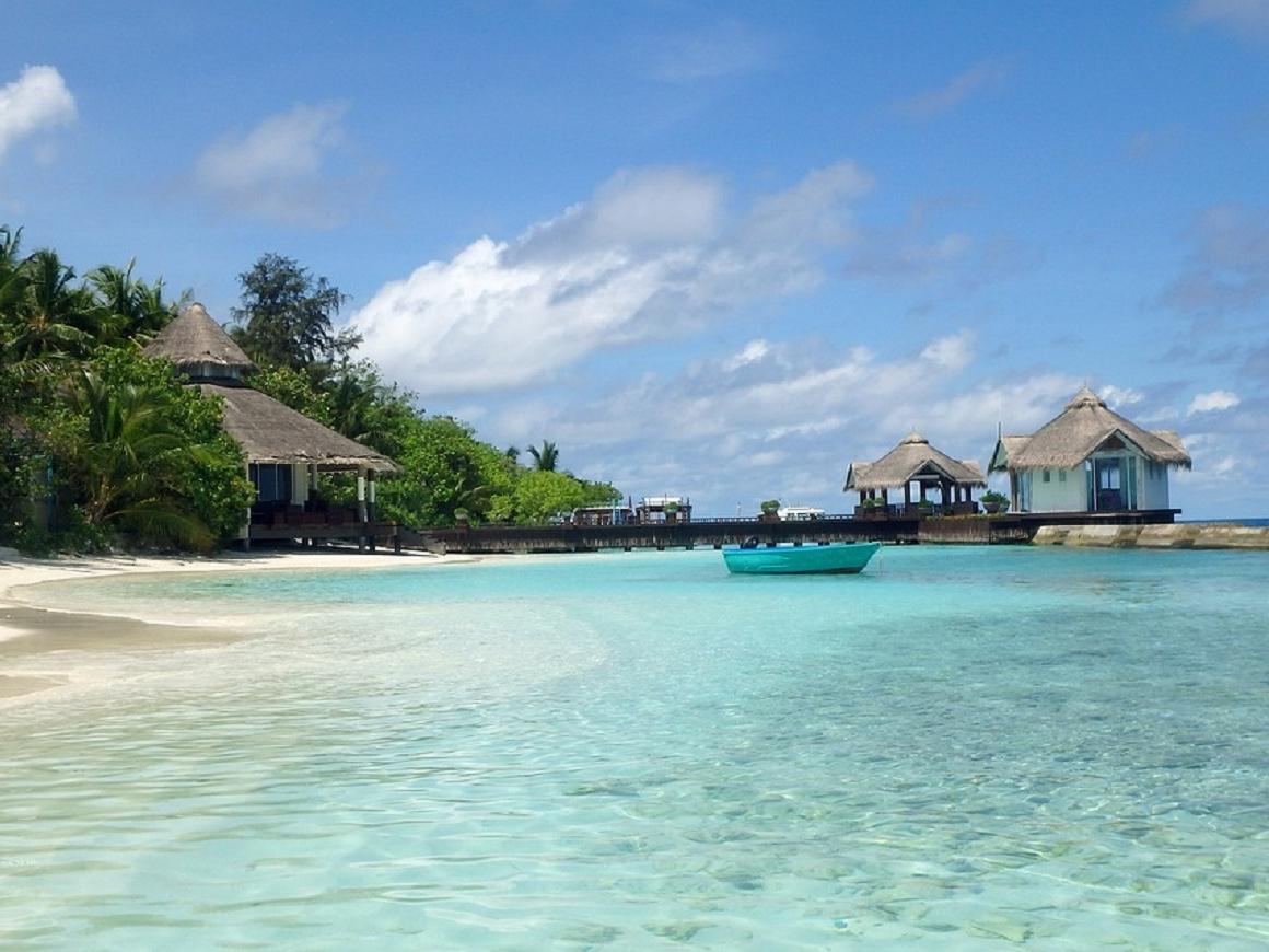 Книжный в раю: кто желает поработать продавцом на Мальдивах?