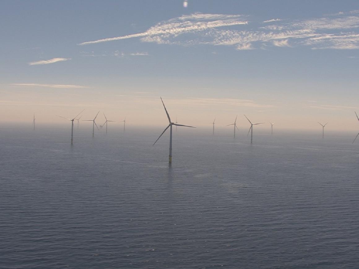 В Великобритании появилась крупнейшая в мире плавучая электростанция