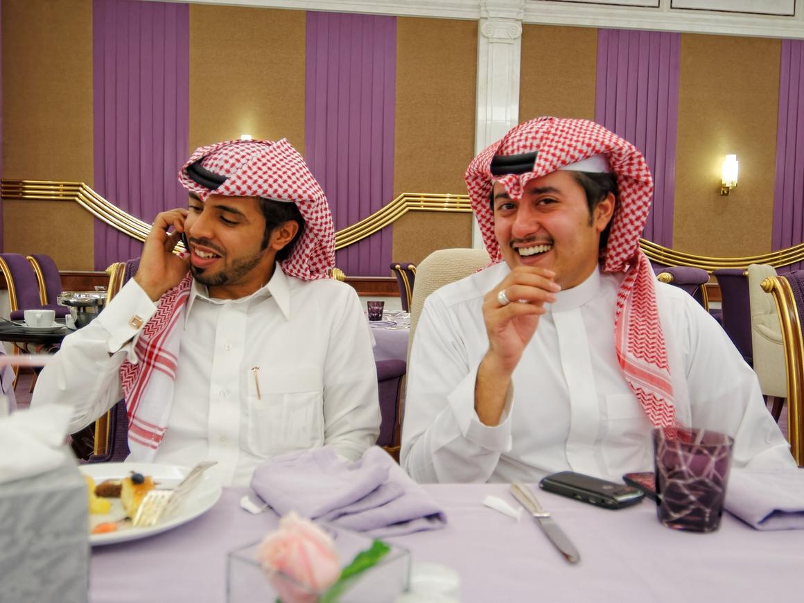 В Саудовской Аравии можно сесть за завтрак. В тюремной робе