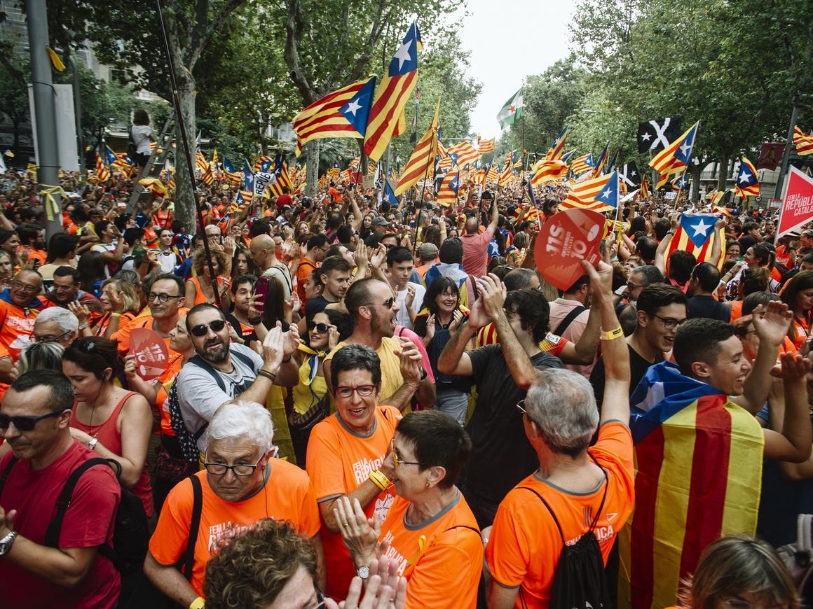 Бесконечный марш независимости: Национальный день Каталонии собрал 1 млн человек