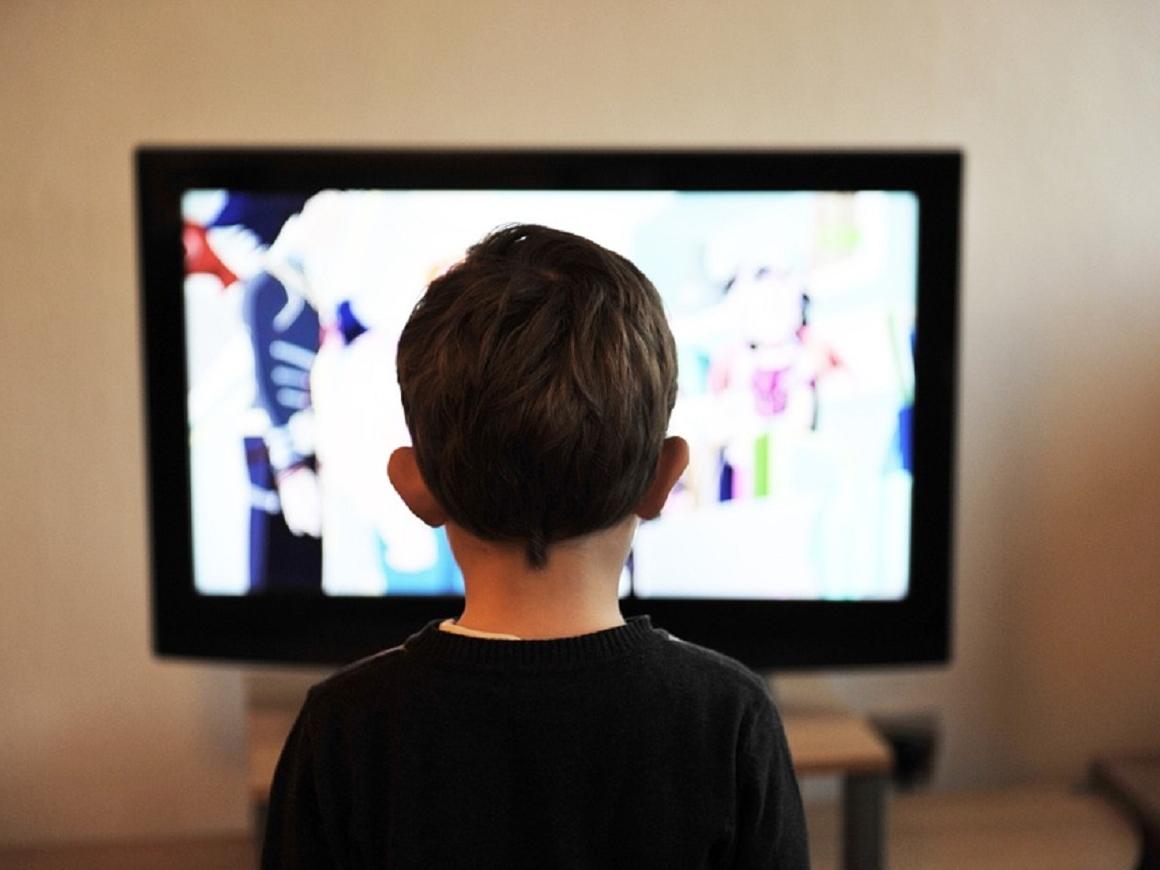 Нет вредному контенту на YouTube: родители сами соберут ребенку плейлист