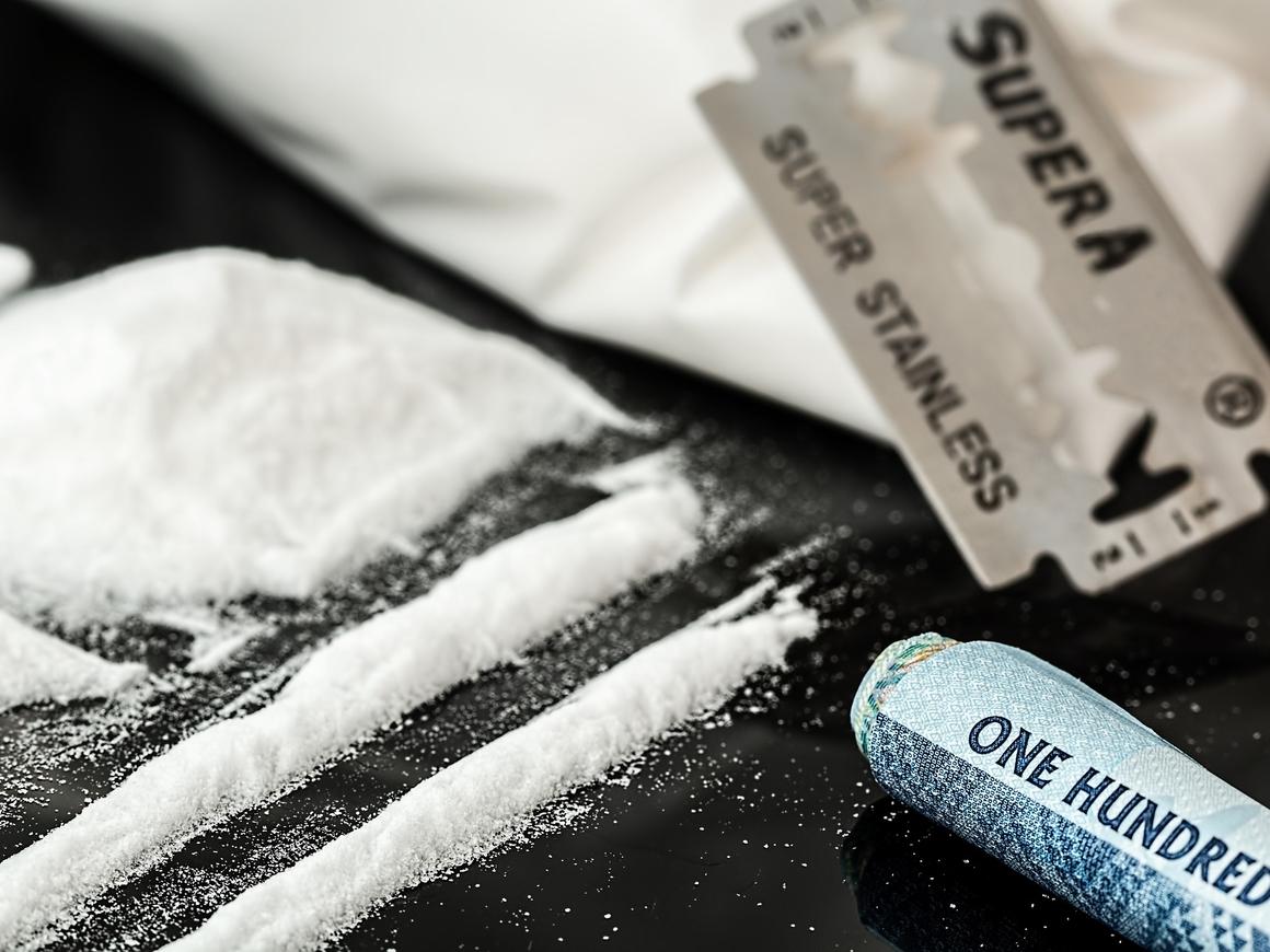 В Баварии мэр решил залечить душевную травму кокаином и лишился поста