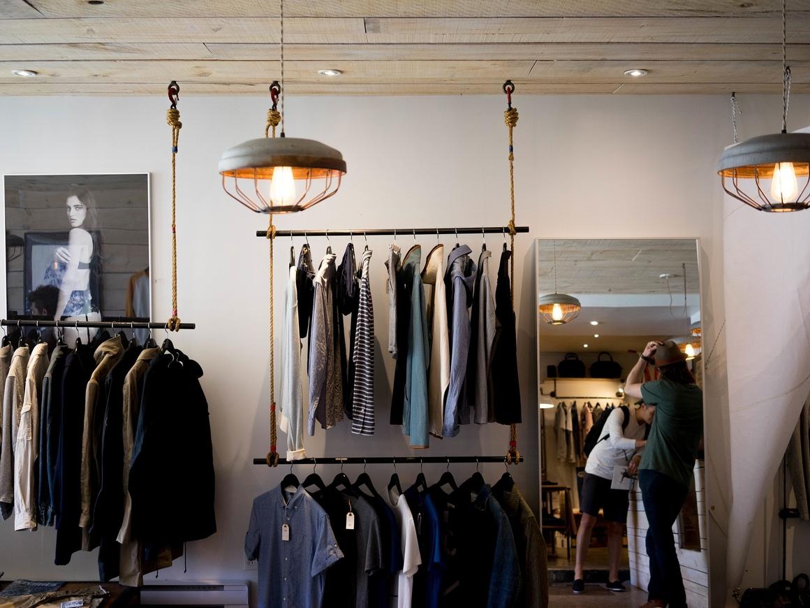 Новый тренд в Китае: модные вещи теперь не продают, а сдают в аренду
