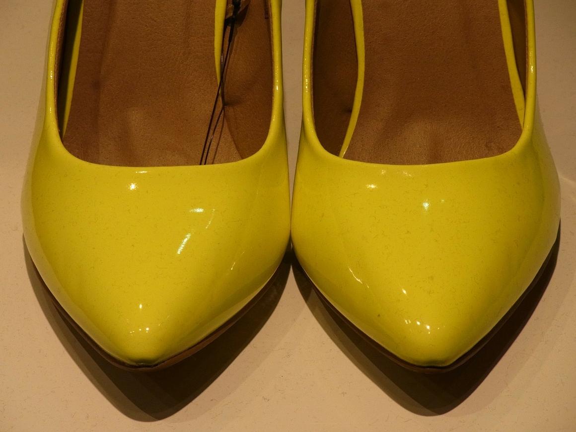 Тряхнули каблуками: в Италии оштрафовали полуночных любительниц шпилек