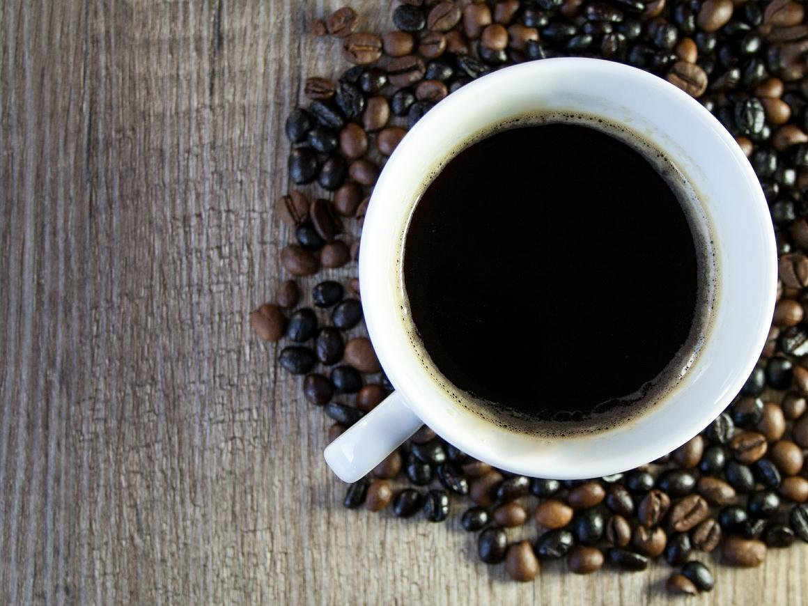 Помогает ли кофе от похмелья? Нет, страдания облегчит только алкозельцер