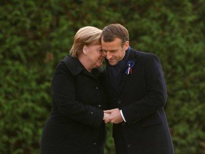 Ошибочка вышла: Меркель приняли за жену Макрона (видео)