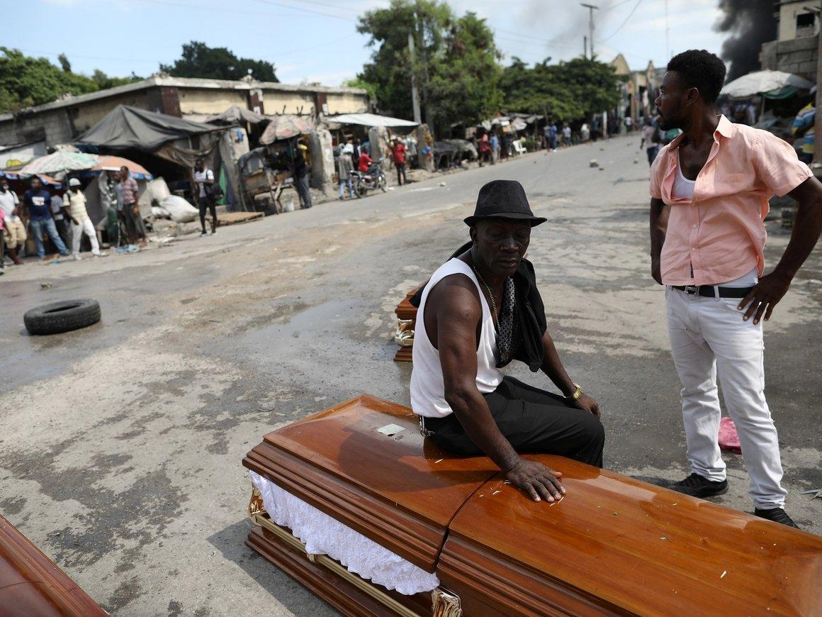 Помирать, так стильно: в Гане делают самые красивые гробы (фото)