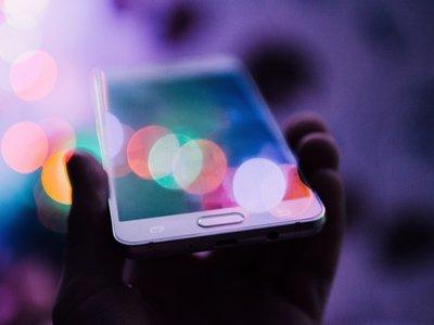 Samsung заявил о краже технологии гибкого экрана. 6 лет исследований – впустую
