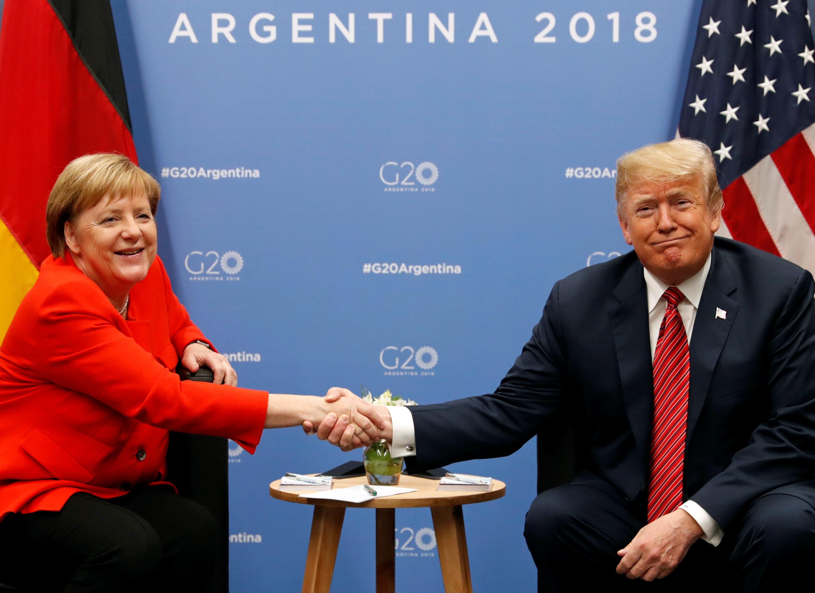 Когда канцлер Германии всё же согласилась пожать твою руку