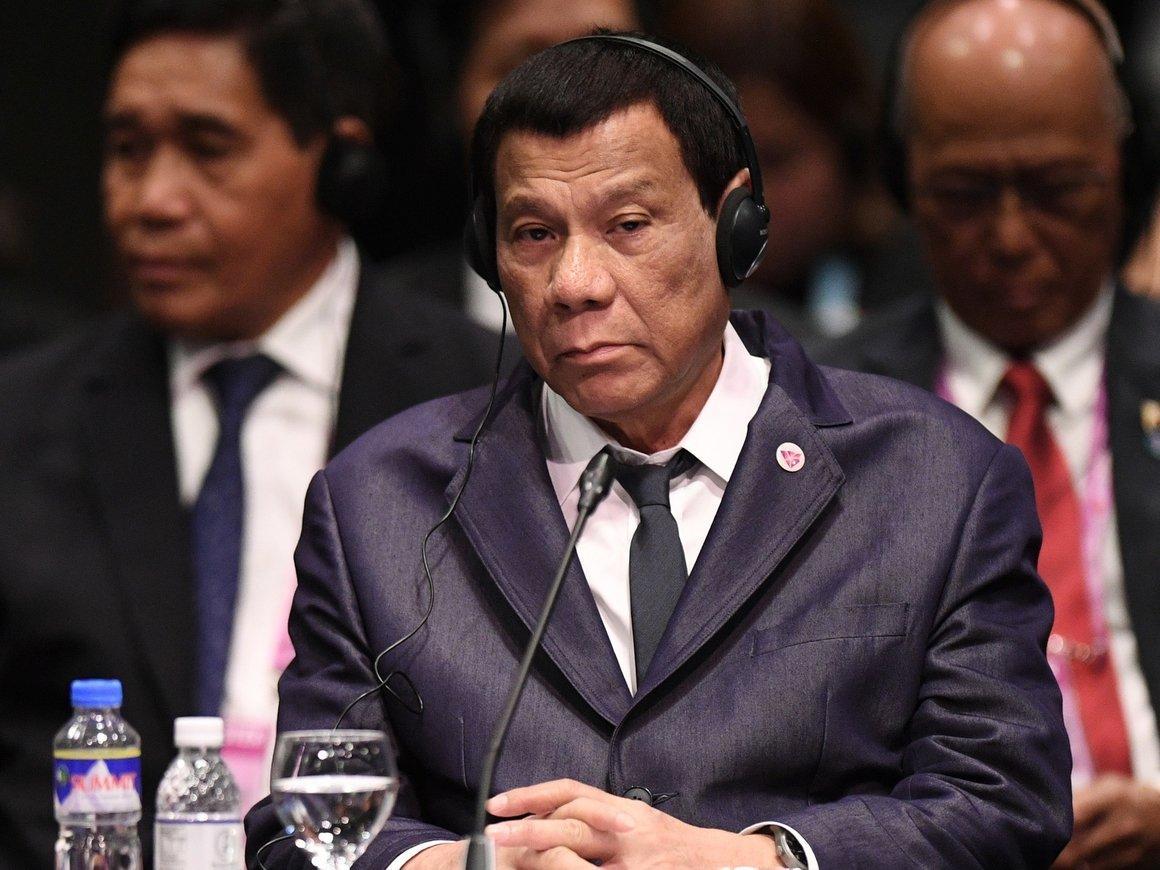Президенту Филиппин очень смешно: он борется с наркотиками... наркотиками