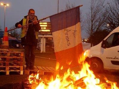 1 полицейский на 3 протестующих. Во Франции готовятся к новым беспорядкам