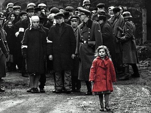 """""""Альтернатива для Германии"""" обиделась на приглашение на фильм про Холокост"""