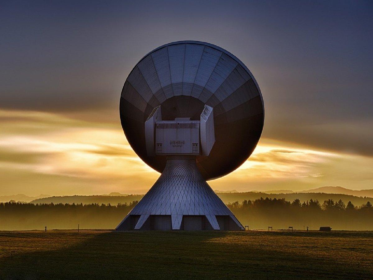 Новый телескоп снова зафиксировал загадочные радиосигналы из дальнего космоса