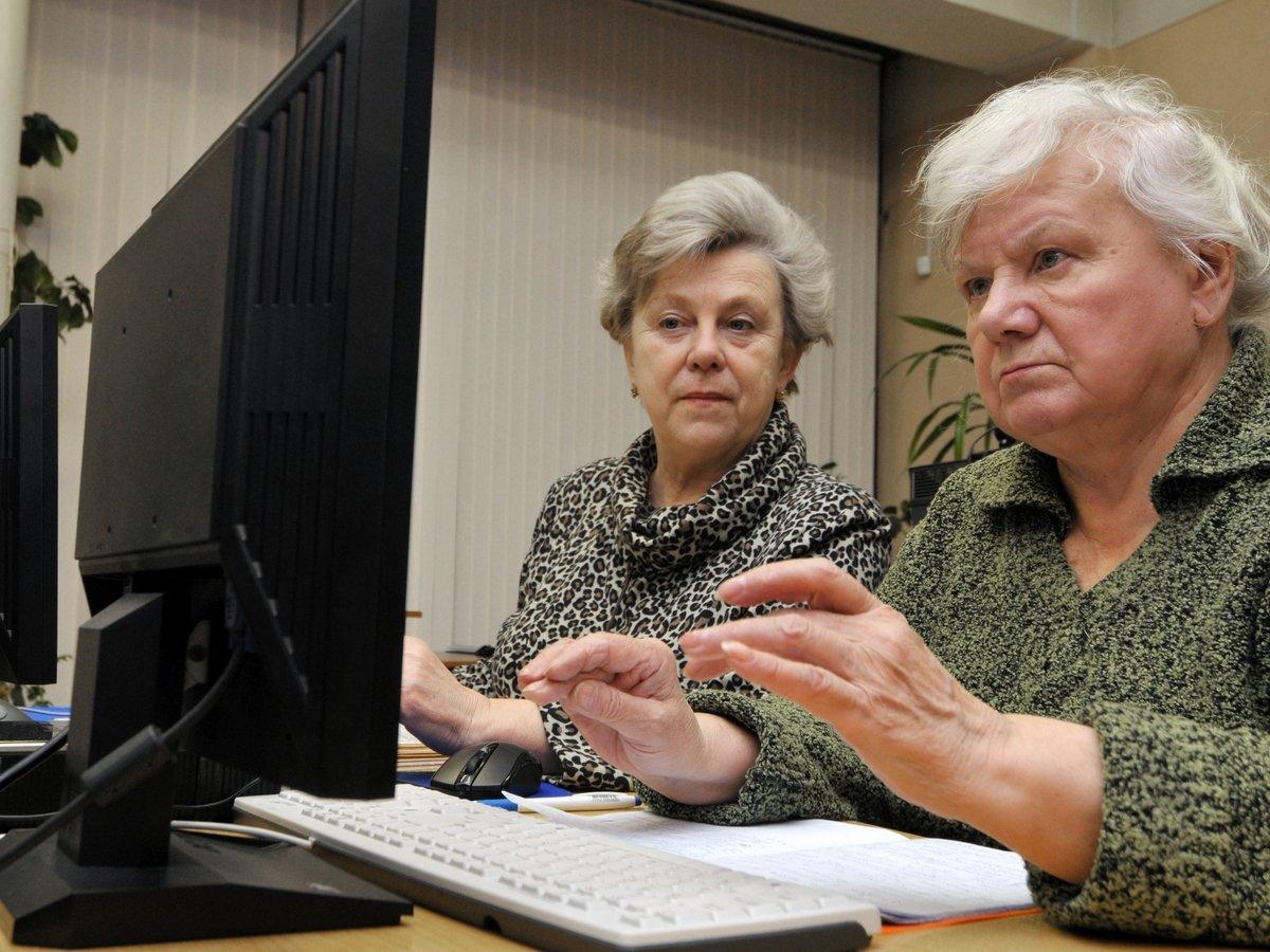 Американские пенсионеры чаще всех постят фейковые новости в Facebook