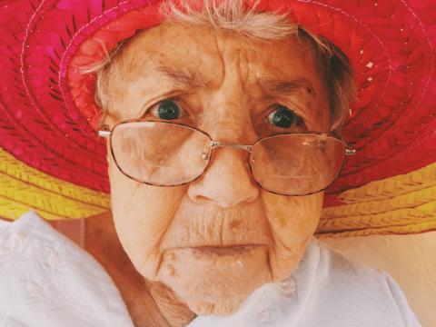 Пенсионерка придумала историю про сатанистов, всех достала и села на 9 лет
