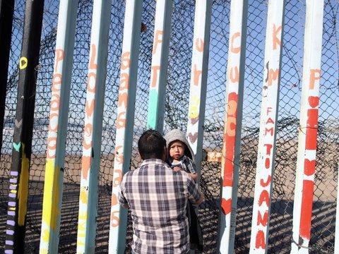 """Трамп, встречай! — из Гондураса на США идёт новый """"караван мигрантов"""""""
