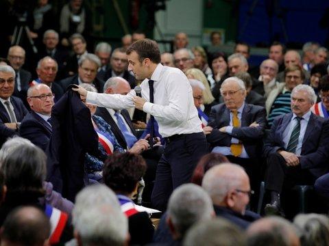 Большие дебаты Эмманюэля Макрона – попытка угомонить протестующих