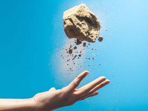 В Израиле открыли новый минерал. Возможно, он прилетел из космоса