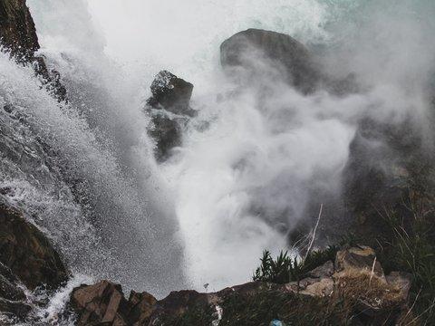 Генерал Мороз в Северной Америке: там замёрз Ниагарский водопад (фото)