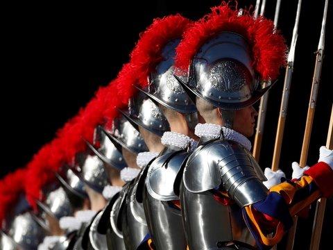 В Ватикане Швейцарская гвардия приоденется в 3D-доспехи