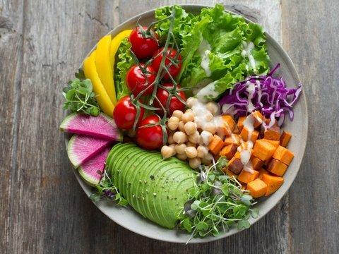 Яркие цвета продуктов — залог крепкого иммунитета, выяснили диетологи