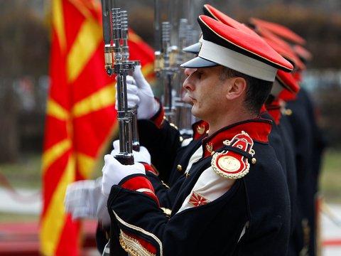 Новое имя, новая жизнь: Македония станет 30-м членом НАТО