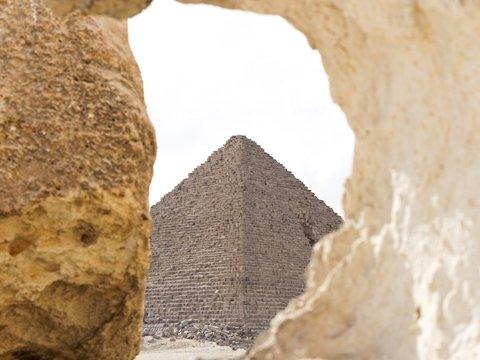 Шотландцы не признают, что украли часть пирамиды Гизы. В Египте возмущены
