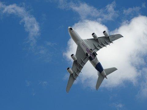 Самый большой пассажирский самолёт A380 снимают с производства