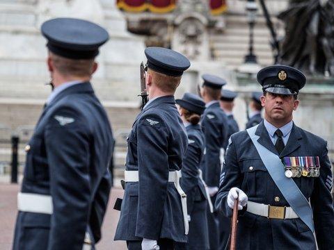 Британских пилотов наградят за то, что они бомбили Сирию, сидя в Америке