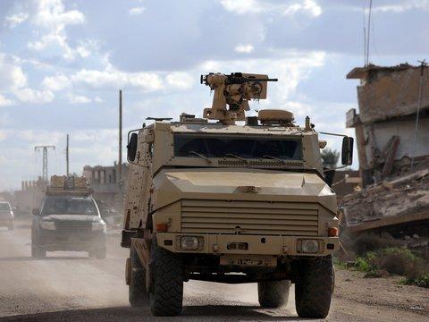 """Вывода не будет: США оставят 200 солдат в Сирии """"для порядка"""""""