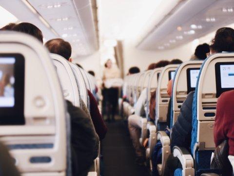 Авиакомпании признались, что в сидениях их самолётов есть камеры видеонаблюдения