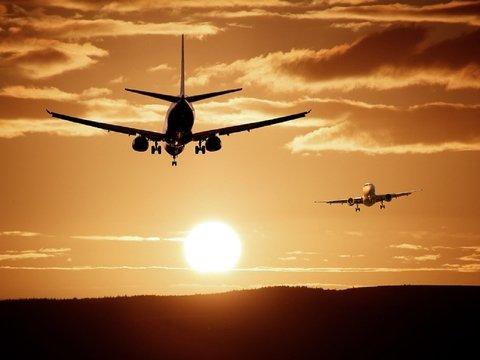 У индийской авиакомпании новые правила: Пристегните ремни и хайль Индия!