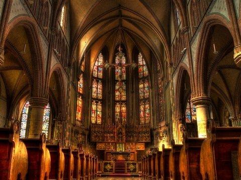 В Великобритании миллениалов заманивают в церкви с помощью научных выставок
