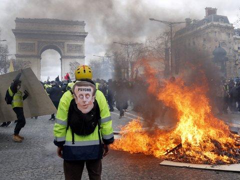 """Доигрались: из-за учинённых погромов """"жёлтым жилетам"""" запретят протестовать"""