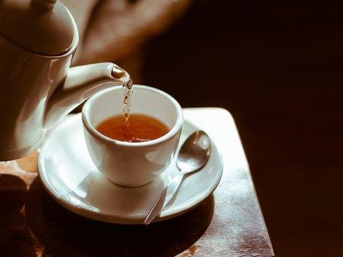 Сначала подуй: слишком горячий чай повышает риск развития рака