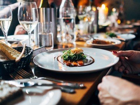 В Австралии шеф-повар со звездой Мишлен накормит бездомных и иммигрантов