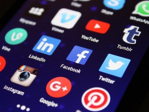 Австралия будет наказывать социальные сети за распространение жестокого контента