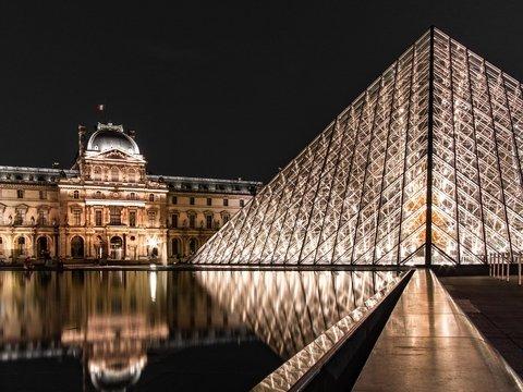 Ночь в музее: в Лувре можно будет переночевать (но не всем, а самым достойным)